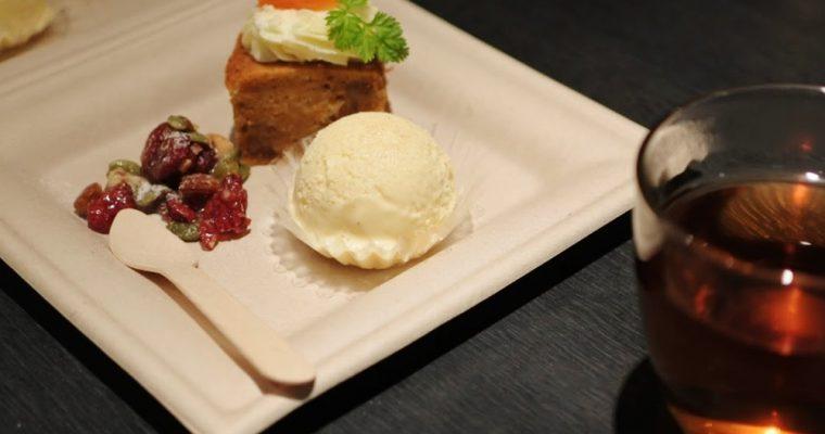 【旅の食卓】ドバイ:チキンのシャワルマと想い出のキャロットケーキ
