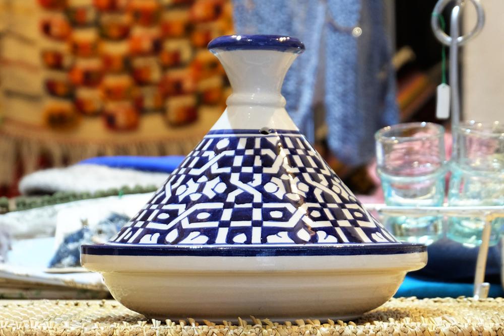 【旅と手しごと】モロッコ・世界一の迷宮都市フェズ:タジン鍋とフェズ刺繍